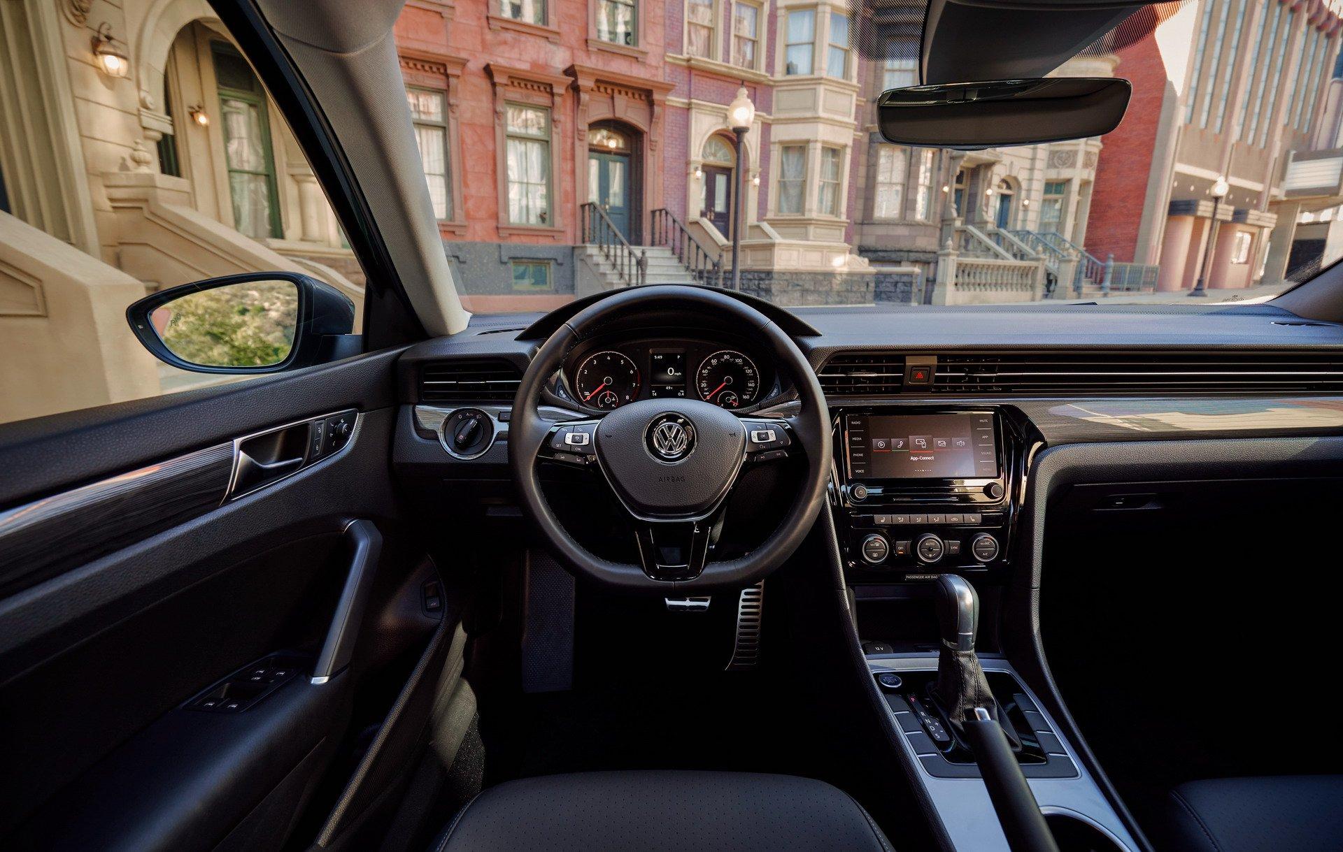 VW Passat Facelift SAD