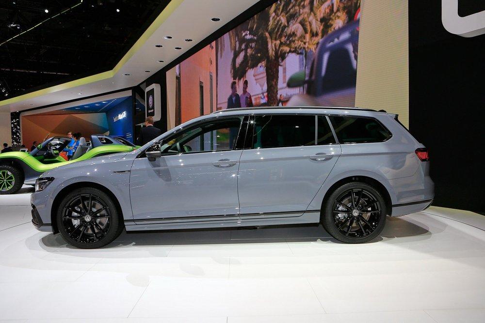 VW Passat Variant R-Line Edition