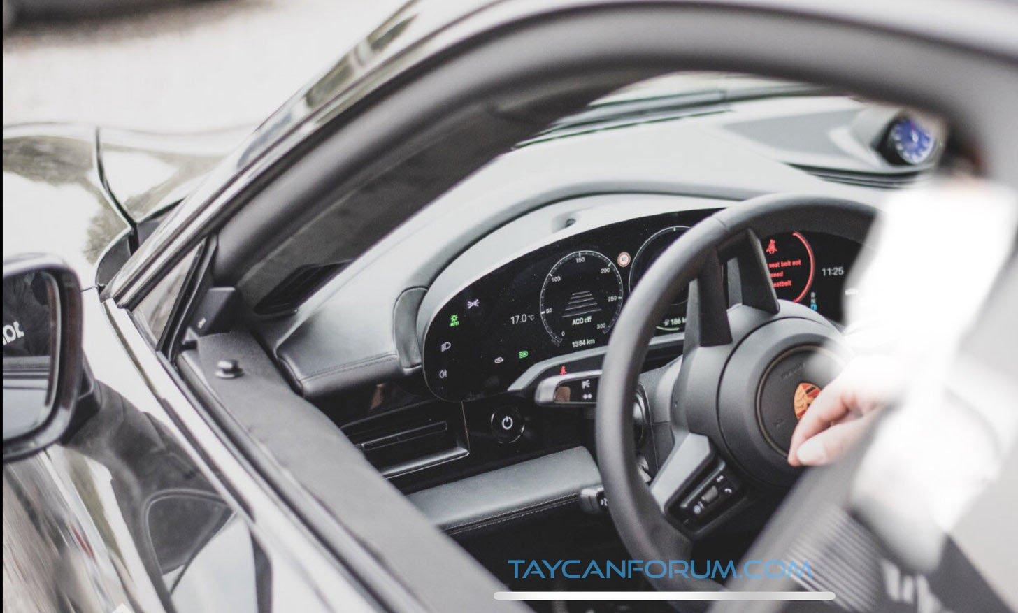 Porsche Taycan enterijer