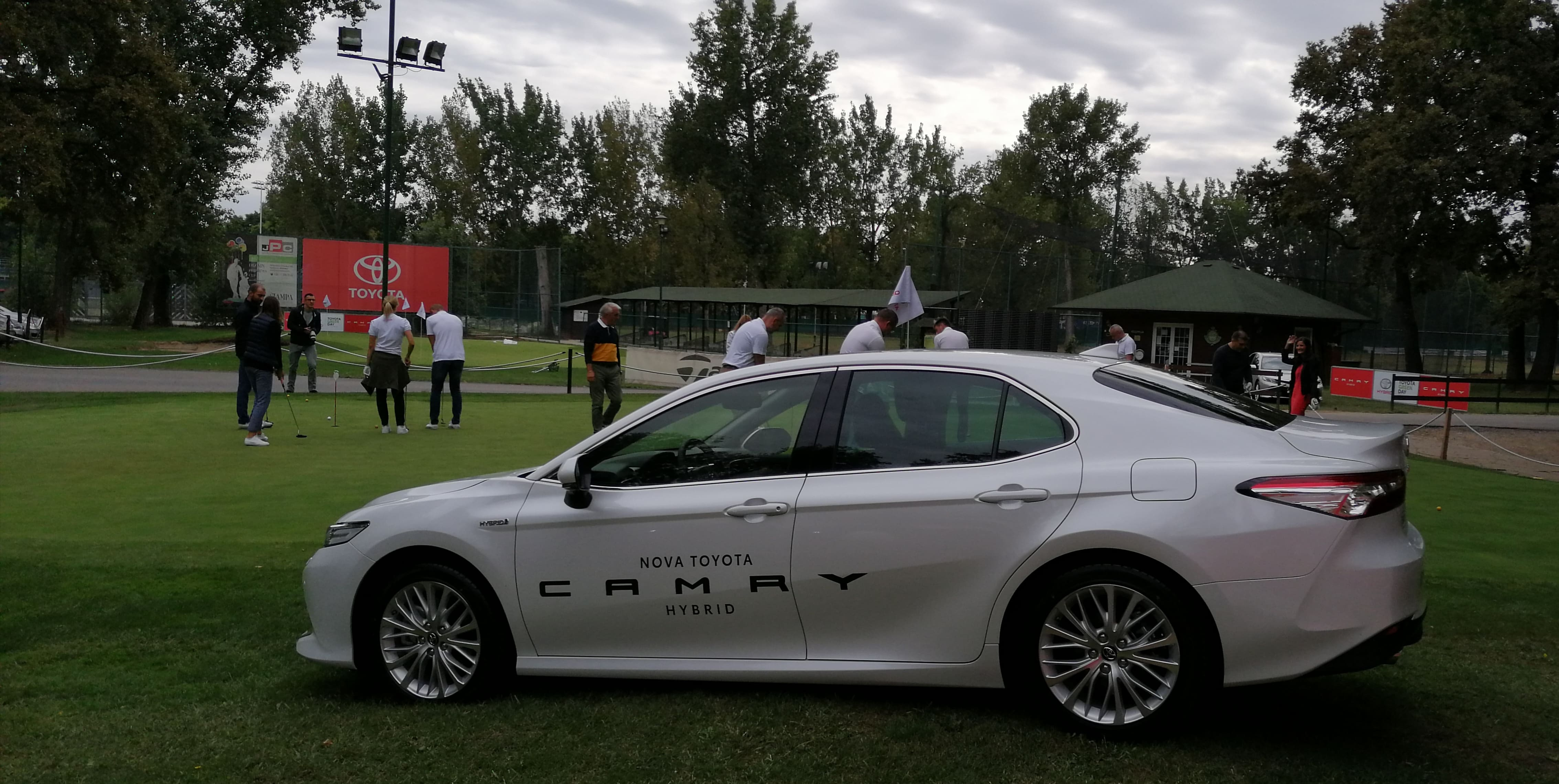 Toyota Camry - Golf klub 2